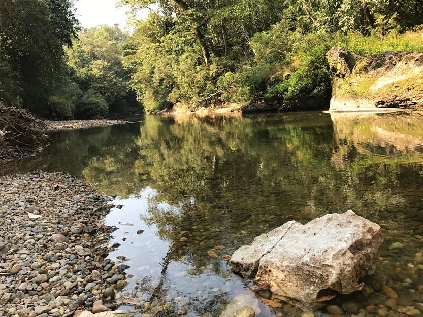 Río Tzejá, el principal de la aldea. Fotografía: Agustín Ortíz