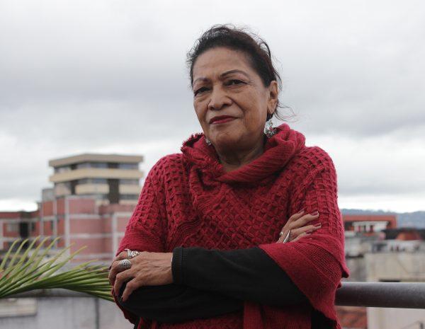Floridalma Contreras, una de las fundadoras del Sindicato de Trabajadoras Domésticas, Similares y a Cuenta Propia, en la azotea del edificio del sindicato, en Ciudad de Guatemala.Foto: Lucía Reinoso para Agencia Ocote.